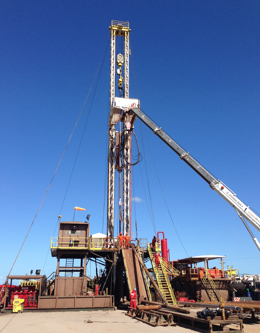 RIG OIL 128 – 1000 HP Carrier Mounted Drilling Rig